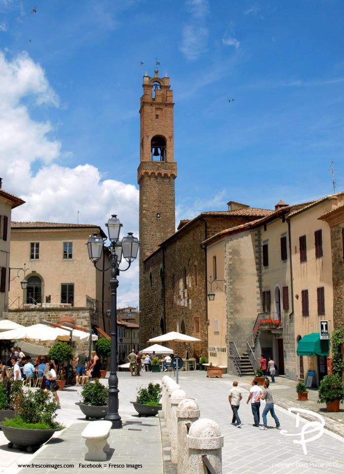 Piazza in Montalcino