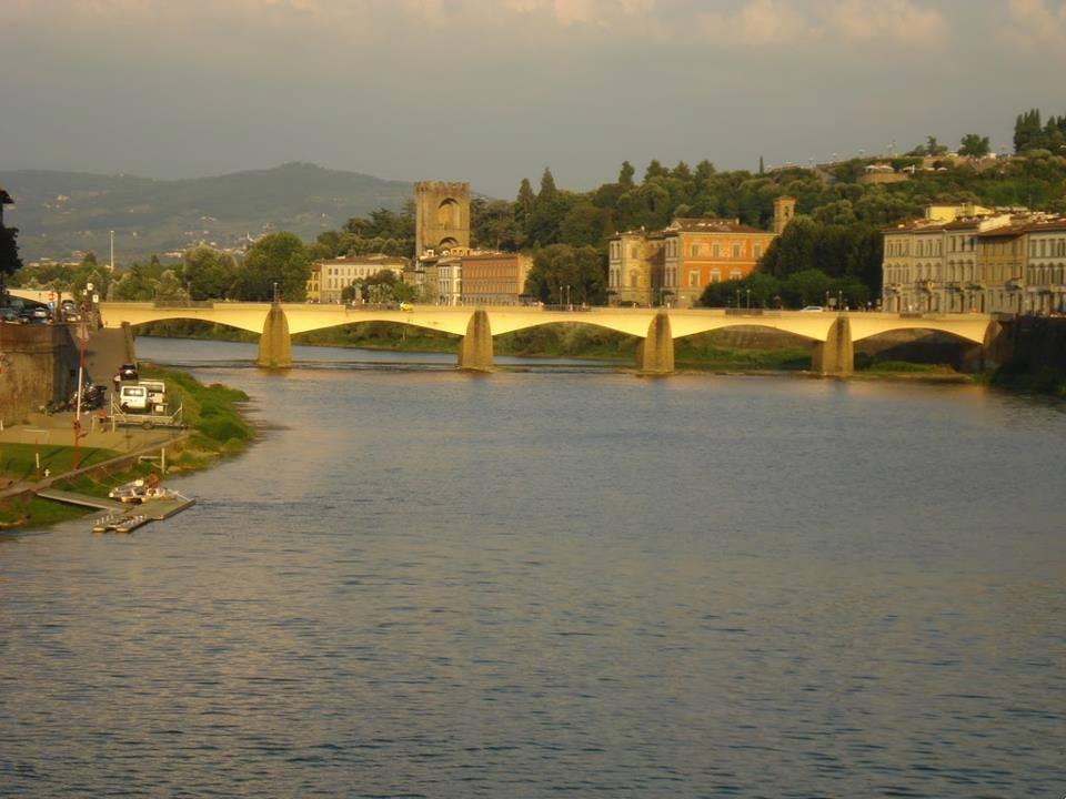 Ponte vecchio Florence Italia