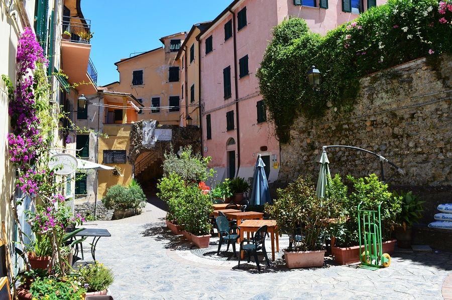 Ameglia Italy  city images : Ameglia's Piazza