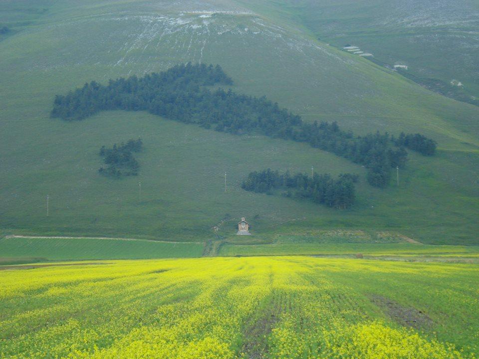 Hillside Map of Italy in Umbria