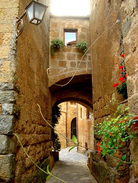 Lane in Civita