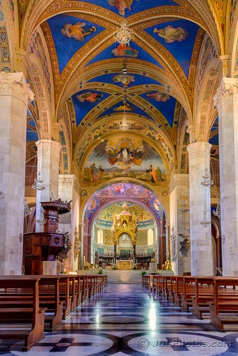 Duomo di Sant'Emedio by Jim DeLutes