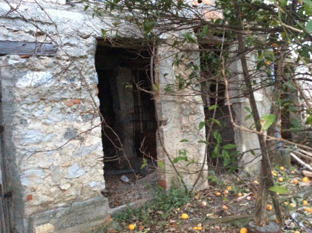 Lower floor stone walls