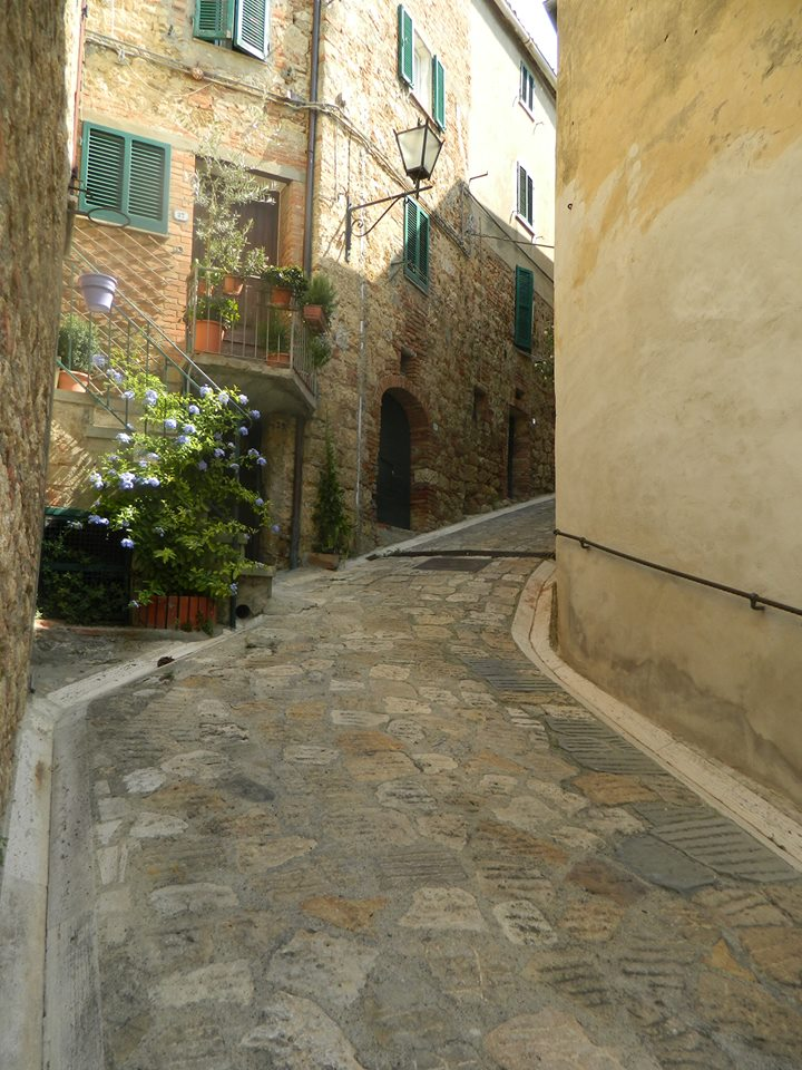 Winding Lane Cetona